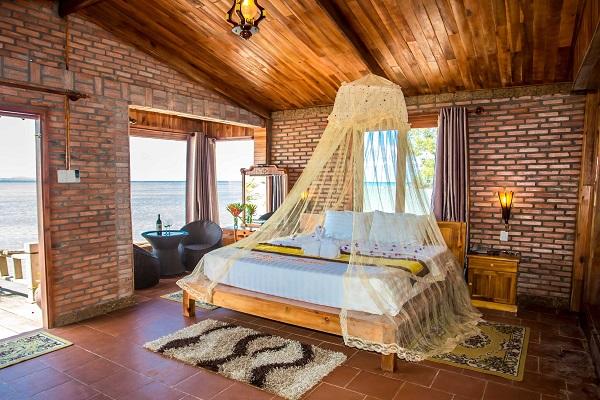 Bungalow là gì? Bungalow trong Resort thường khẳng định đẳng cấp của mình thông qua tiện nghi và dịch vụ sang trọng