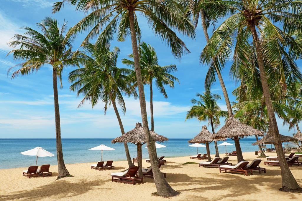 Khám phá biển Cửa Cạn tuyệt đẹp cùng những tiện nghi, dịch vụ hiện đại tại Mai House Resort