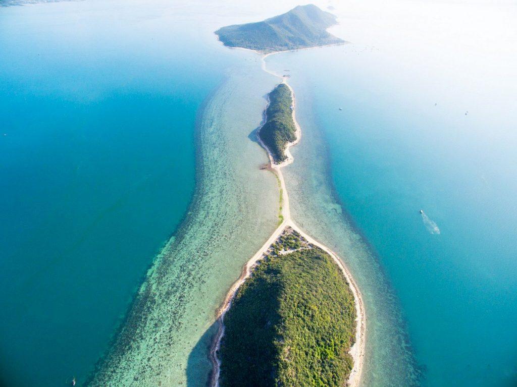 Đảo Điệp Sơn hoang sơ và yên bình bên cạnh một Nha Trang đầy nhộn nhịp