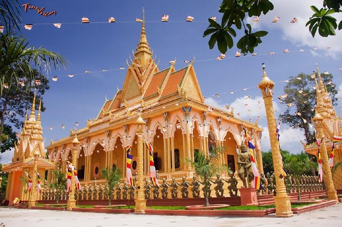 Du lịch Trà Vinh với những ngôi chùa hoành tráng của người Khmer