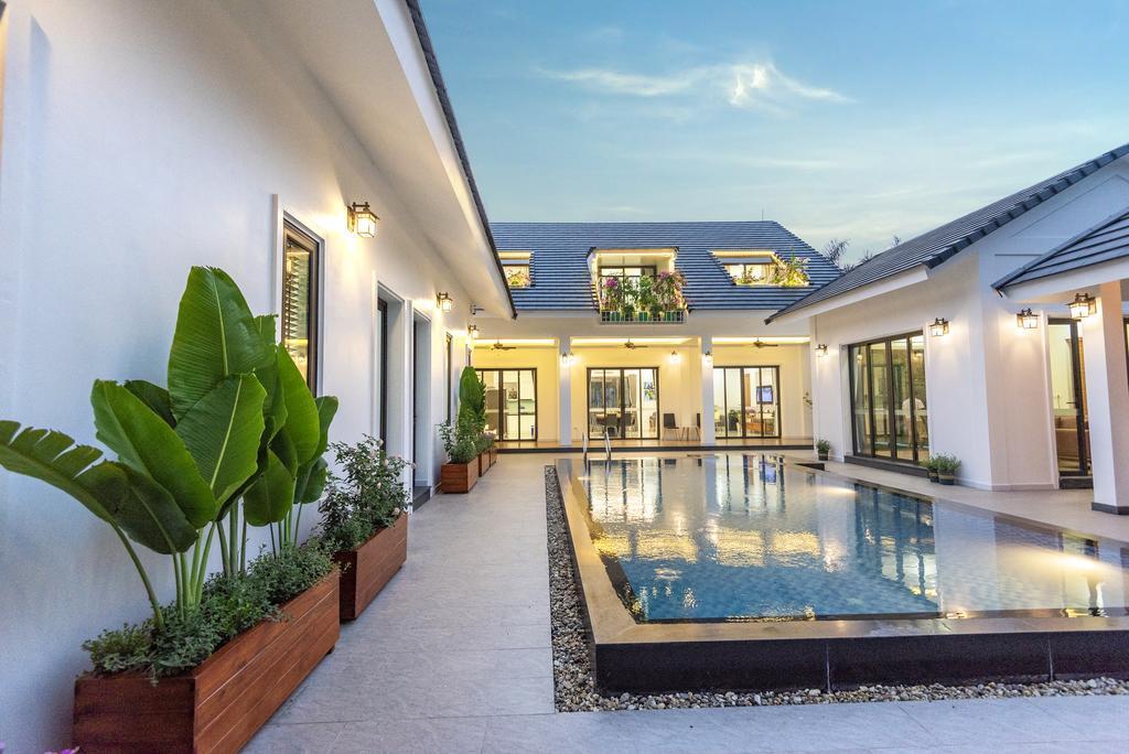 Khuôn viên trong villa rất sang trọng và xinh xắn - Villa tại sóc Sơn, Hà Nội
