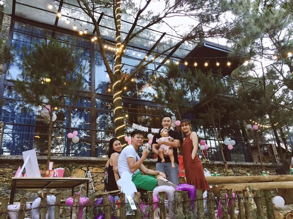 Cả gia đình quây quần bên nhau, Villa tại sóc Sơn, Hà Nội