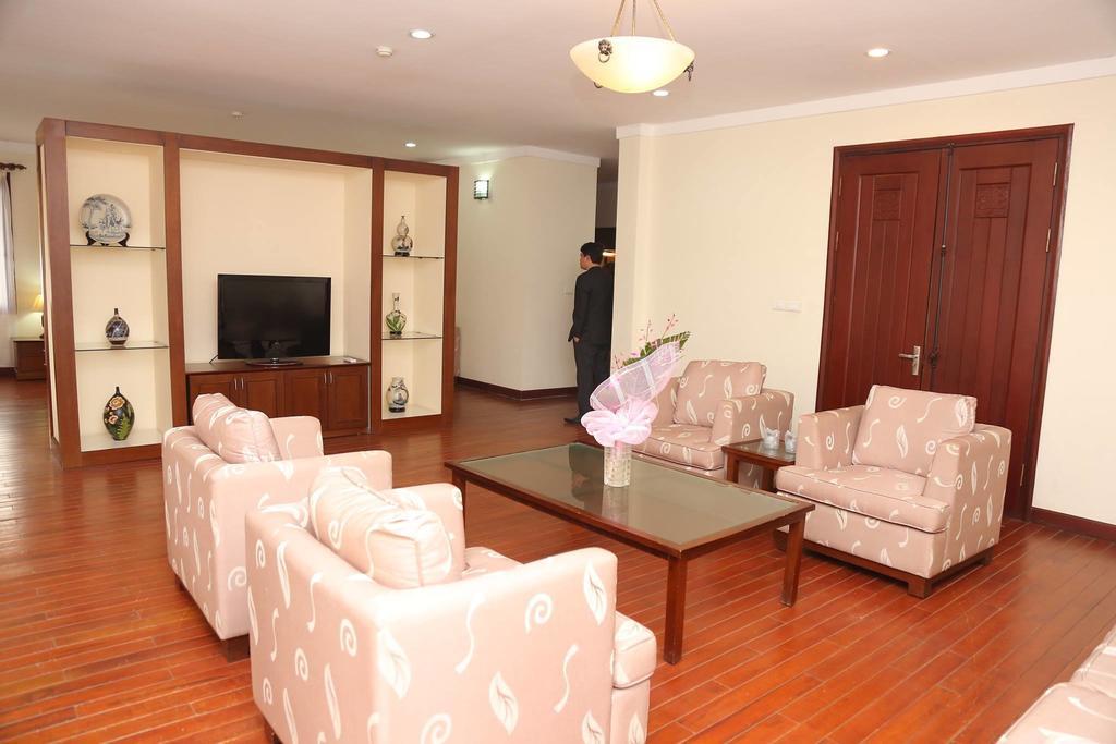 Phòng khách sang trọng tại Zo villa tại Tây Hồ, Hà Nội