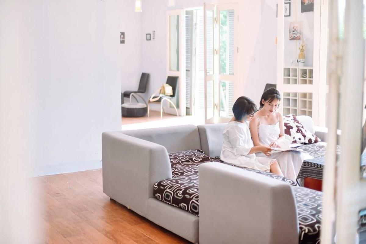 Không gian sang trọng của phòng khách - villa tại Thạch Thất, Hà Nội