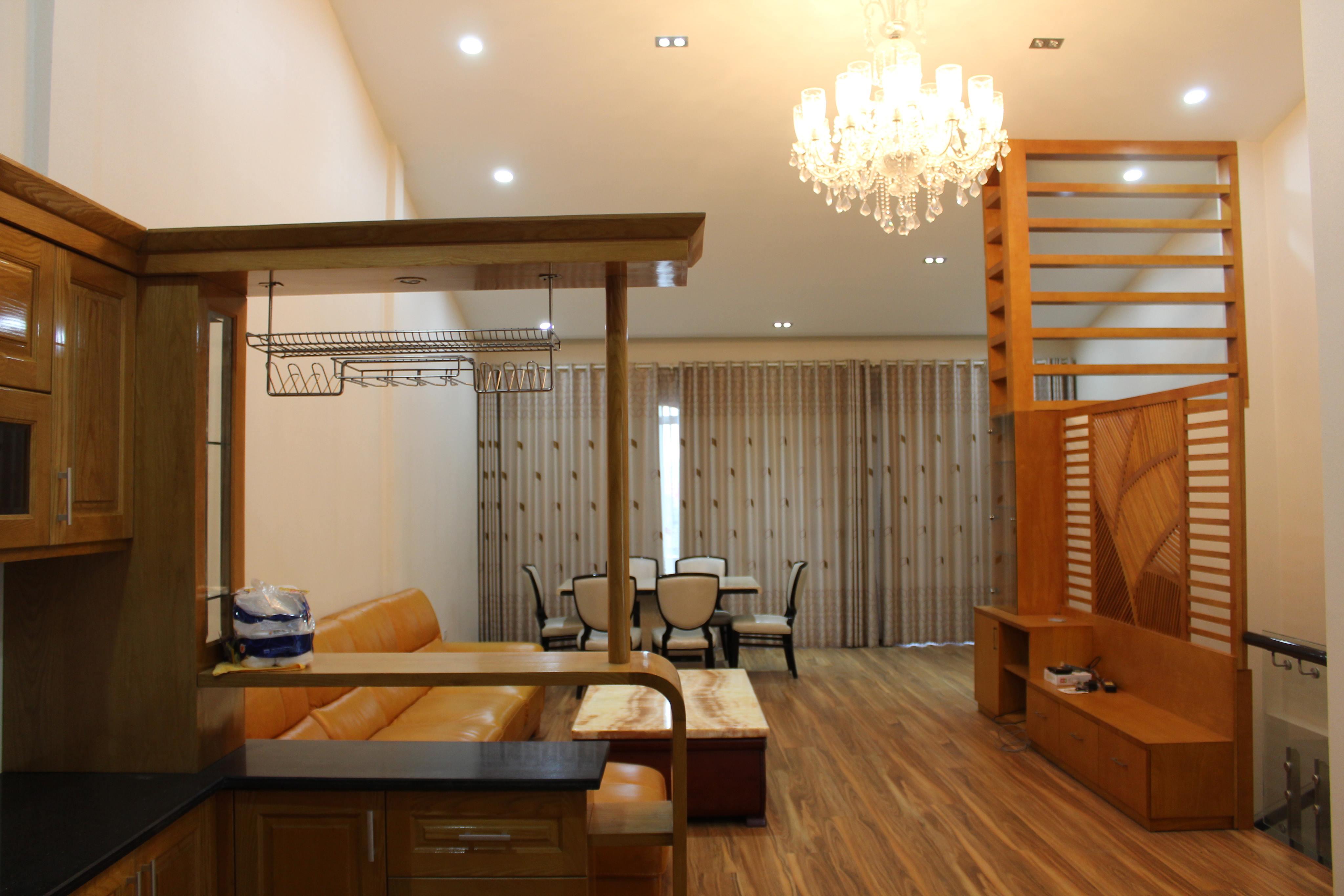 Không gian bên trong La Habor villa với gam màu trầm ấm - villa tại Tuần Châu, Quảng Ninh
