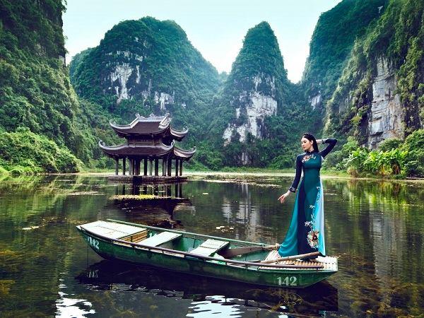 Tràng An - điểm đến cực hấp dẫn khi du lịch Ninh Bình