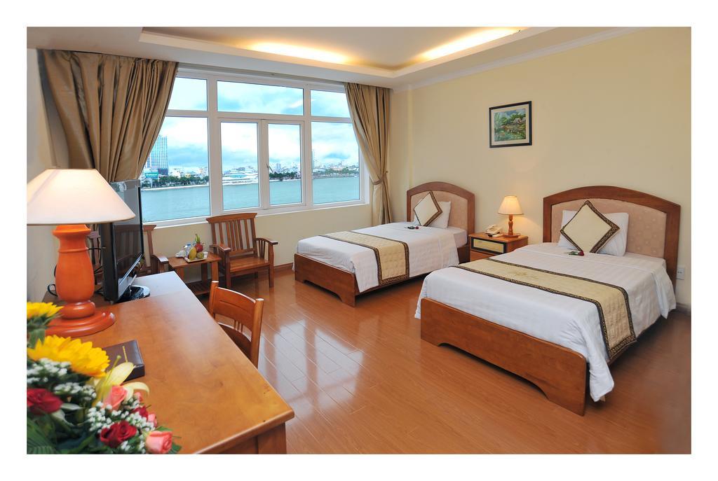 kham-pha-homestay-tai-lakeside-palace-da-nang-hot-nhat-hien-nay
